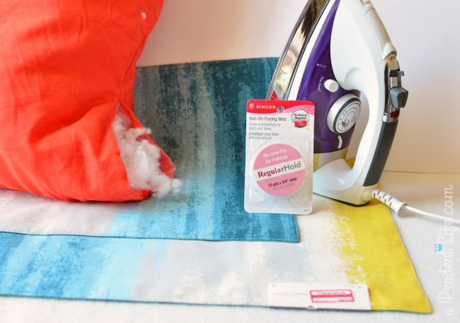 Supplies to repurpose placemats into a pillow