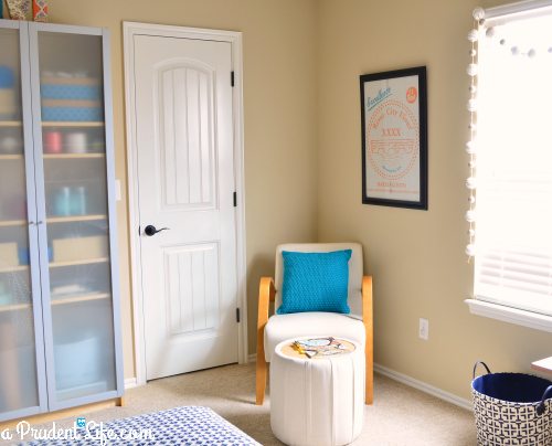 Reading nook in craft space