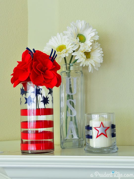 Three easy 4th of July projects made Expressions Vinyl's Independence Day Pack! #Silhouette #4thofJuly