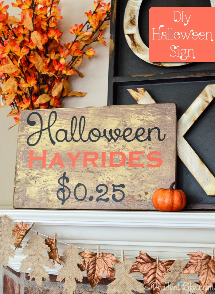DIY Halloween Hayride Sign