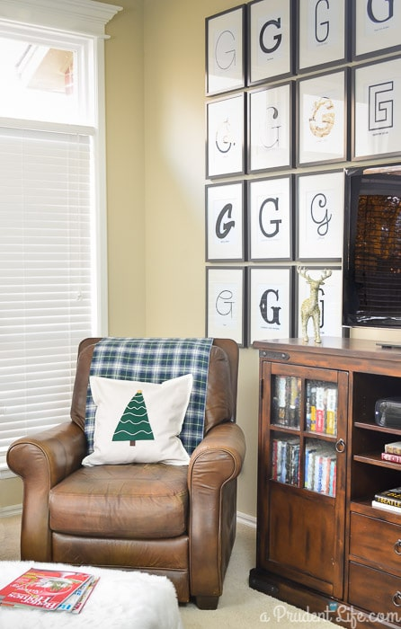 DIY No Sew $5 Rustic Christmas Pillow