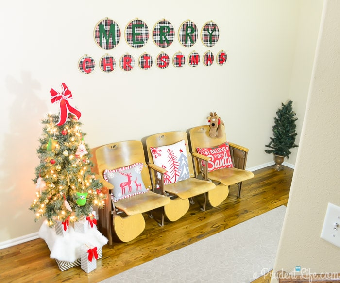 Christmas Entry Way Decor