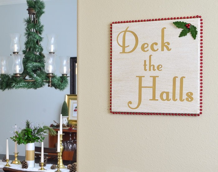 Deck YOUR Halls with this DIY Deck the Halls Christmas Art