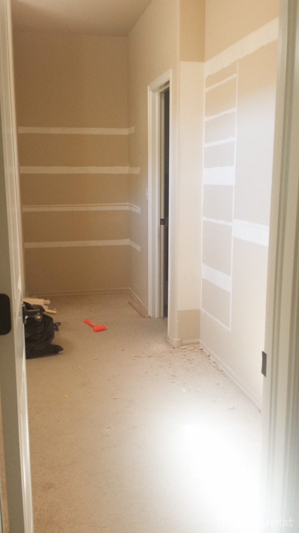 Master Walk In Closet Empty-3