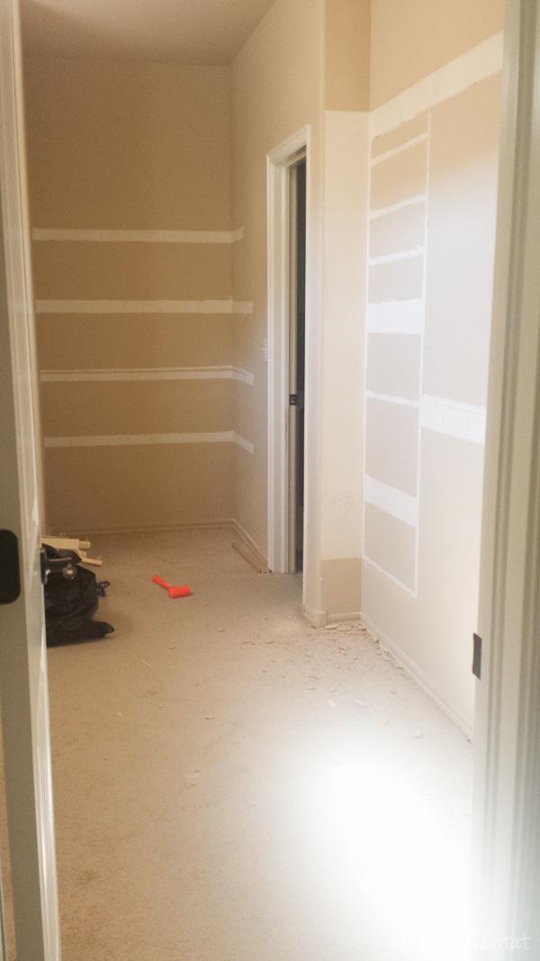 Master Walk In Closet Empty-3