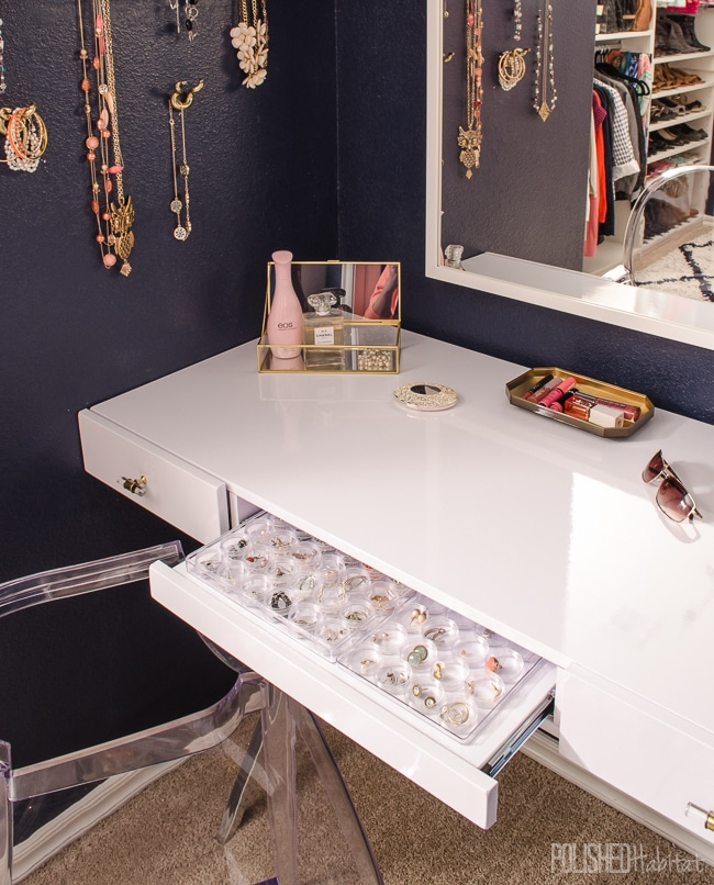 Jewelry Organization - Love these ideas for storing earrings and necklaces!