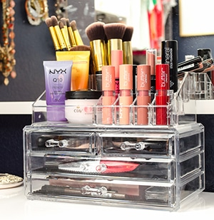 Smitten With: This Makeup Organizer