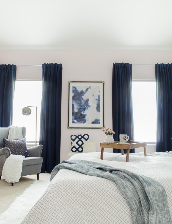 Gorgeous Master Bedroom With Dramatic Navy Drapes. Itu0027s So Glam And Cozy At  The Same