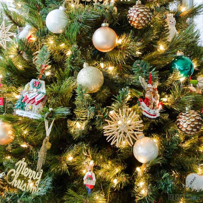 christmas-tree-office-4