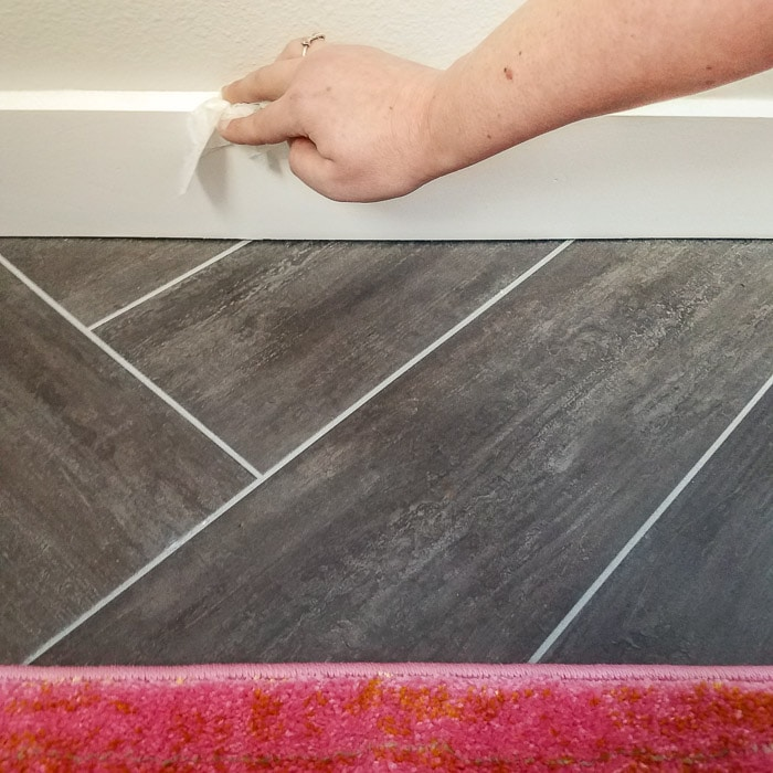 I never look forward to cleaning the baseboards, but at least it's a little easier to get started with these quick tips.