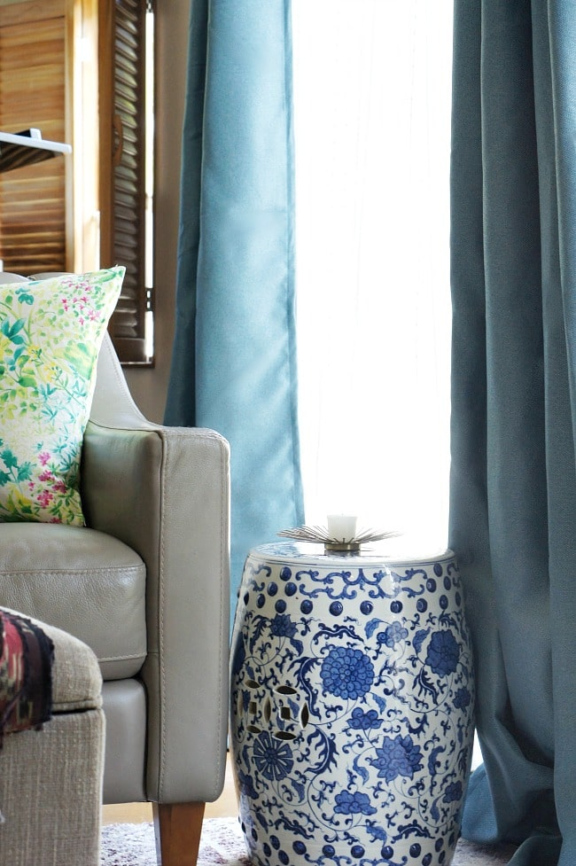 hide rental blinds with curtains and extendable brackets