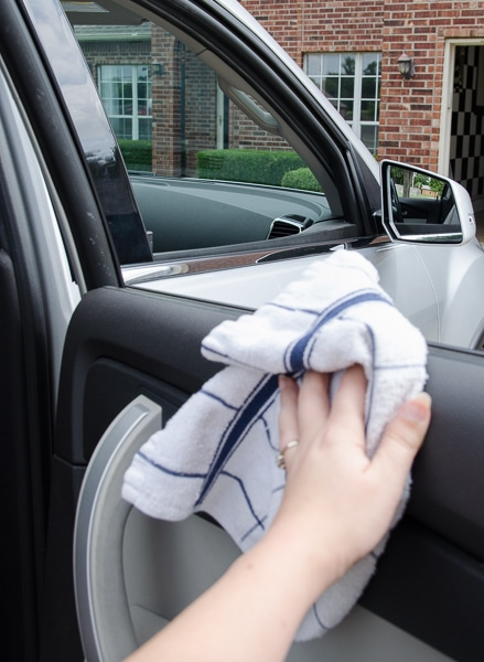 If you feel like the inside of your car is always a mess, you need these tips!