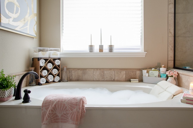 How To Organize The Bathroom Counter Amp Tub Surround