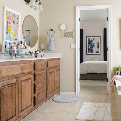 How to Organize The Bathroom Counter & Tub Surround