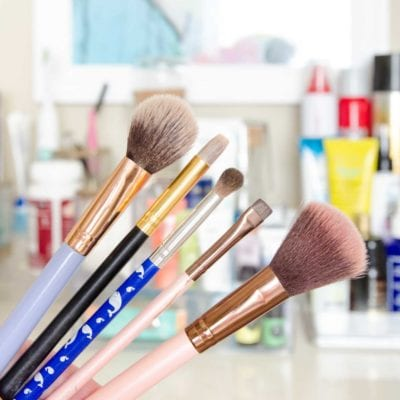 How to Clean Makeup Brushes – Fast Fix Friday