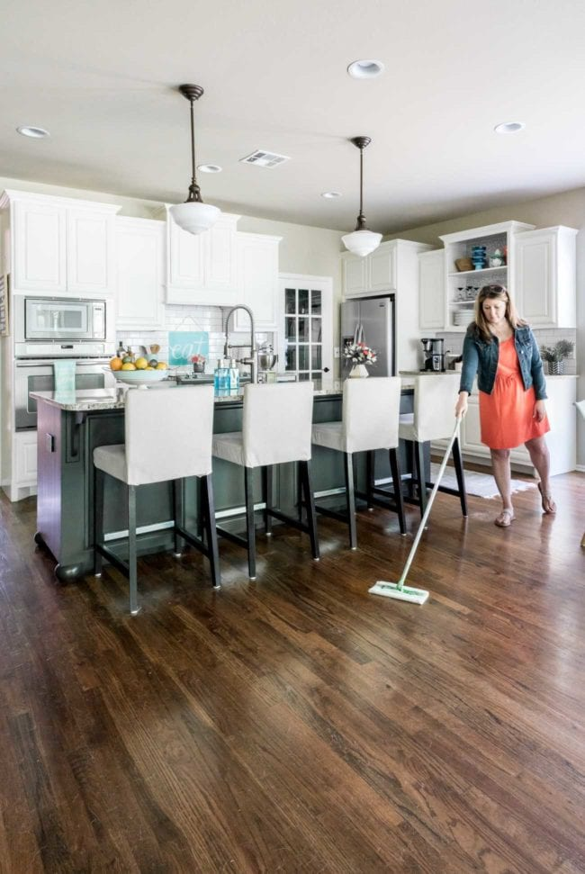 Cleaning wood floors with Swiffer - Pet Hair Removal