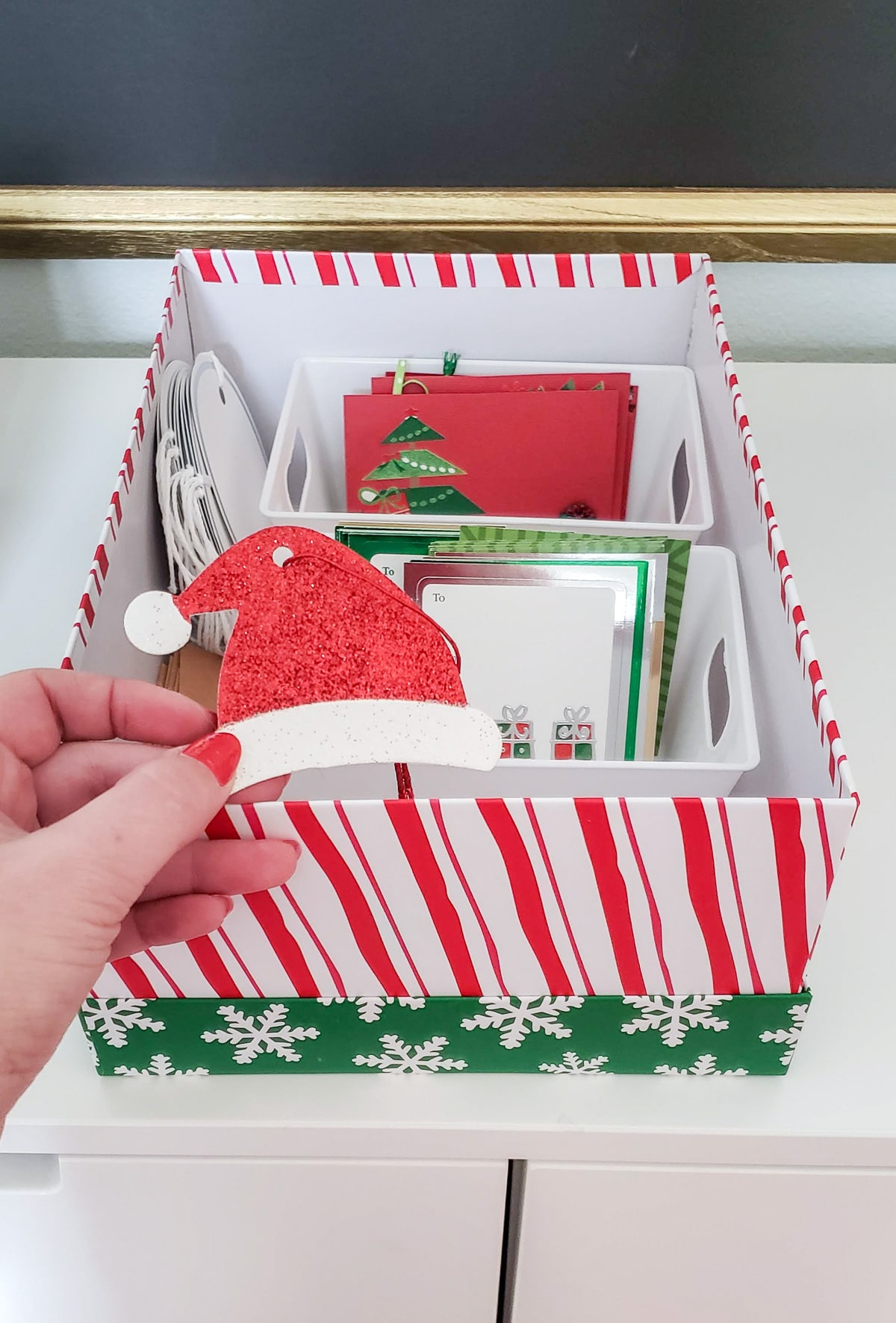 How to organize Christmas Gift Tags