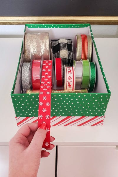 How to store Christmas ribbon